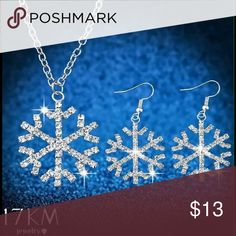 Silver Rhinestone Snowflake Necklace & Earring Set Silver Rhinestone Snowflake Necklace & Earring Set 17KM Jewelry Necklaces