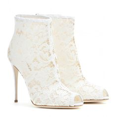 Dolce & Gabbana Lace Peep-Toe Ankle Boots ($1,040) ❤ liked on Polyvore featuring shoes, boots, ankle booties, heels, booties, white, lace booties, short heel boots, lace peep toe booties and ankle boots