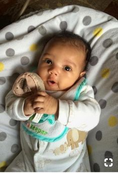 Children and Young Mixed Baby Boy, Cute Mixed Babies, Cute Black Babies, Beautiful Black Babies, Cute Baby Boy, Cute Little Baby, Baby Kind, Pretty Baby, Little Babies