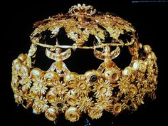Golden Crown From The Tomb Of Queen Yaba (Wife Of Tiglath-Pileser III), Nimrud, Assyria, 8th Century BC
