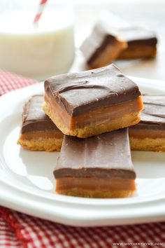 Millionaire's Shortbread (Homemade Twix) | Mother Thyme