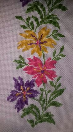 This Pin was discovered by suk Cross Stitch Pillow, Cross Stitch Art, Cross Stitch Borders, Modern Cross Stitch Patterns, Cross Stitch Flowers, Cross Stitch Designs, Cross Stitching, Cross Stitch Embroidery, Hand Embroidery Videos