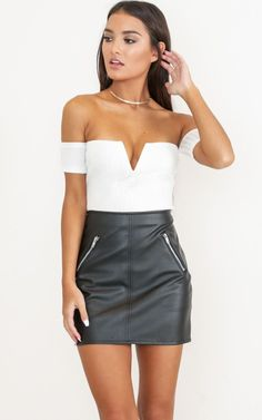 Showpo is a fun & forward Australian online fashion clothing store, shipping to USA & the world. We feature the best in dresses, rompers, skirts & much more! Bar Outfits, Casual Skirt Outfits, Cute Outfits, Vegas Outfits, Fashion Night, Look Fashion, Fashion Outfits, Woman Outfits, Cheap Fashion