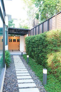 58 design ideas for backyard gardens in luxurious homes 31 Small Garden Landscape, Small Backyard Gardens, Small Garden Design, Outdoor Gardens, Landscape Design, Side Yard Landscaping, Backyard Walkway, Backyard Patio Designs, Small Backyard Landscaping