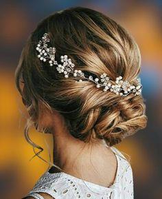 Long or short hair piece for bride Beach Wedding Hair, Wedding Hair Pieces, Gift Wedding, Wedding Gowns, Wedding Up Do, Classic Wedding Hair, Wedding Bridesmaids, Bridesmaid Hair Flowers, Wedding Garters