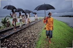 9 Photo Composition Tips, As Seen in Photographs by Steve McCurry