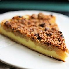 tarte-flan aux pommes et crumble speculoos Sweet Recipes, Real Food Recipes, Dessert Recipes, Yummy Food, Crumble Speculoos, Apple Pie Cake, Apple Deserts, Sweet Pizza, Thermomix Desserts