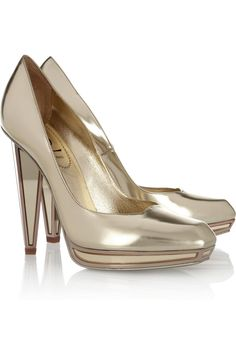 7ae6372e47 Mirroredheel Metallic Leather Pumps  lt 3 Come visit http   www.shoeniverse