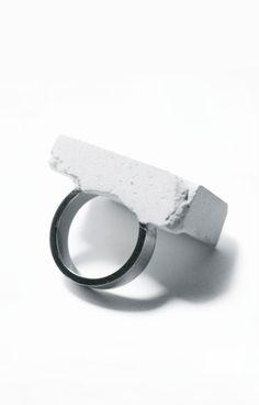 Fernanda Barba   concrete ring