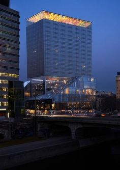 Jean Nouvel with Pipilotti Rist & Patrick Blanc /// Sofitel Vienna Stephansdom /// /// Vienna, AUSTRIA Jean Nouvel, Hotel Architecture, Futuristic Architecture, Architecture Design, Minimalist Architecture, Building Architecture, Futuristic Design, Light Architecture, Amazing Architecture
