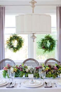 It's getting so close to Christmas that it's almost time to set the table! And setting the table is like putting the final bow on a special present: it's a gift your friends and family…