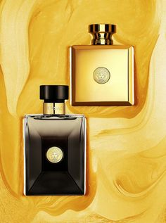 The Versace men and women's Oud fragrances. man should owns that black one .i advise all . Perfume And Cologne, Best Perfume, Perfume Bottles, Men's Cologne, Fashion Moda, Mens Fashion, House Of Versace, Versace Perfume, Best Fragrances