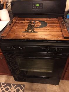 Wooden Pallet Projects Stove Top Noodle Board with personalization option Best Kitchen Cabinets, New Kitchen, Kitchen Decor, Decorating Kitchen, Kitchen Walls, Kitchen Ideas, 1920s Kitchen, Rustic Kitchen, Kitchen Designs