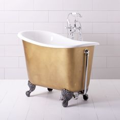 Tubby Tub Small Roll Top Bath Tub only 4 feet long in customizable colors from AlbionBathCo. Tiny tub for tiny spaces! Small Freestanding Bath, Small Tub, Big Bathrooms, Tiny House Bathroom, Mini Bathtub, Bathtub Shower, Roll Top Bath, Tiny Spaces, Tiny House Living