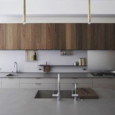 Williamsburg, Brooklyn. Architecture by Wheelhouse Design Build. @wheelhousedesignbuild. #contemporaryinterior #interiorarchitecture #interiors #minimalkitchen #Interiordetails #moderndesign #fineinteriors