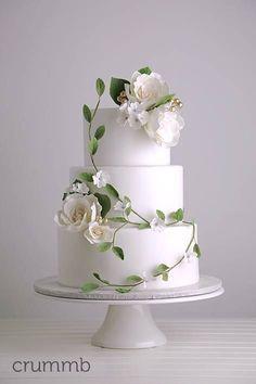Elegant cake with sugar flowers and vines Cream Wedding Cakes, Floral Wedding Cakes, Elegant Wedding Cakes, Elegant Cakes, Wedding Cake Designs, Purple Wedding, Spring Wedding, Gold Wedding, Beautiful Wedding Cakes