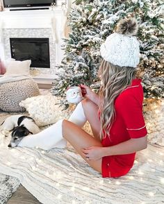 20 Great And Cozy Christmas Outfits Make You Happier Cozy Christmas Outfit, Winter Christmas Gifts, Xmas, Winter Holidays, White Christmas, Christmas Tree, Christmas Photography, Casual Fall Outfits, Madame
