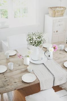 a beach cottage rustic table gets electric - life by the sea Rustic Table, A Table, Dining Tables, Beach Cottage Style, Cottage Chic, Cosy Room, Love Your Home, Dining Room Inspiration, Home And Deco