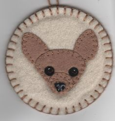 Penny Rug Pet Portrait Ornament - finished ornaments ($10) and kits ($8 with all materials to make 2) available. Make a beautiful keepsake of a beloved pet. Kits are set up with interchangeable parts so you can make your own custom dog. Felt Crafts, Fabric Crafts, Felt Cupcakes, Felt Dogs, Embroidery Motifs, Penny Rugs, Felt Ornaments, Felt Animals, Animals