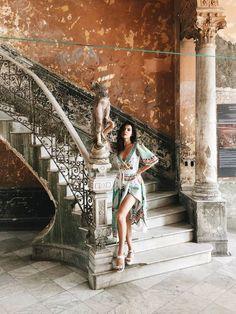 La Habana Cuba Photography Varadero Cuba, Cuba Outfit, Fly To Cuba, Cuba Fashion, Travel Fashion, Urbane Fotografie, Cuba Photography, Cuba Beaches, Play And Stay