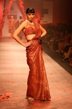 JJ Valaya. WLFW A/W 10'. Indian Couture.