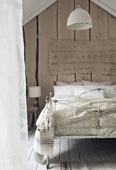 Country Bedroom Style Country Style for Master Bedroom Design Ideas Master Bedroom Design, Home Decor Bedroom, Bedroom Ideas, Seaside Bedroom, Interior Simple, Interior Design, Floral Bedroom, Bedroom Styles, Beautiful Bedrooms