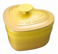 【 Le Creuset ラムカン・ダムール (フタ付き) 】ケーキやグラタン、キッシュなどにも使え、またフタ付きなので角砂糖やキャンディなどのキャニスターとしても使えます。