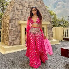 Mehendi Outfits, Indian Bridal Outfits, Indian Fashion Dresses, Dress Indian Style, Indian Designer Outfits, Indian Designers, India Fashion, London Fashion, Chandigarh