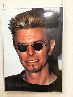 David Bowie, A Pic of a Pic of David.