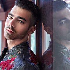 Joe Jonas working Zedd-4