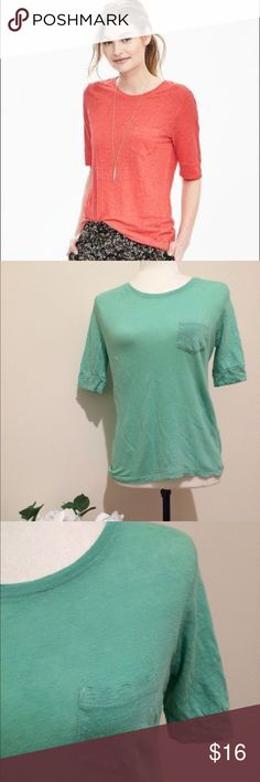 """Banana Republic mint crew linen top In good condition, with no tears or flaws, this casual shirt is easy to pair with jeans or shorts. Chest pocket detail, size small, approx measurements: 23"""" long, flat across: armpit to armpit 17"""", waist 17"""", sleeve about 10"""" long. Banana Republic Tops Tees - Short Sleeve"""