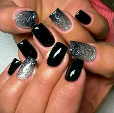 Black full nail with silver/black ombre