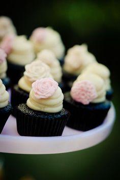 Icing Designs: Perfect Shabby Chic Wedding Reception