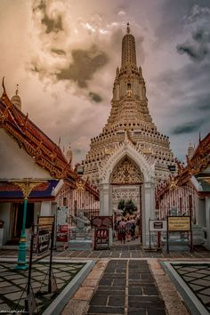 Wat Arun, Bangkok, Thailand Buddhist Temple, Bangkok Thailand, Big Ben, Dawn, Buddha, Sunrise, River, Explore, Building