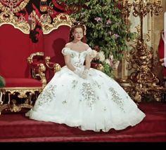 Romy Schneider, Vintage Long Dress, Vintage Dresses, Vintage Outfits, Beautiful Costumes, Beautiful Dresses, Classy Wedding Dress, Wedding Dresses, Princesa Sissi