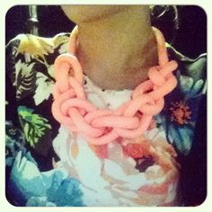 NOW WE STYLE The bright-pink rope braided necklace
