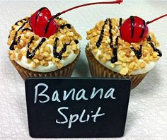 TONS of cupcake flavors and ideas!!