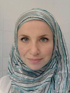 Women In Sweden Wear Headscarves After Muslim Woman Is Assaulted