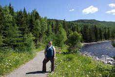Jen au bord de la rivière - L'Auberge Gîte du Mont-Albert, Gaspésie