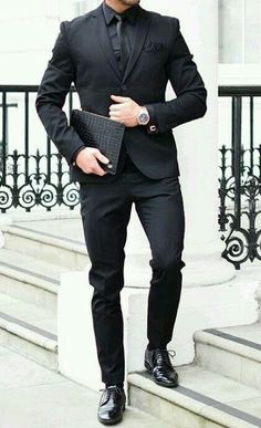 All Black Suit Men - Fashions Nowadays Outfit Hombre Casual, Formal Men Outfit, Mens Fashion Suits, Mens Suits, All Black Suit, Der Gentleman, All Black Fashion, Classy Fashion, Style Fashion