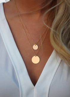Gold Circle Layered Necklace Set / ensemble de 2 couches de colliers / disque colliers / or rempli cercles / superposition Colliers / Colliers cercle