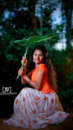Indian Wedding Couple Photography, Baby Girl Photography, Photography Poses Women, Portrait Photography, Indian Photoshoot, Couple Photoshoot Poses, Dehati Girl Photo, Girl Photo Poses, Beautiful Blonde Girl