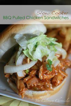 Slow Cooker Grill gezogen Hühnchen-Sandwiches
