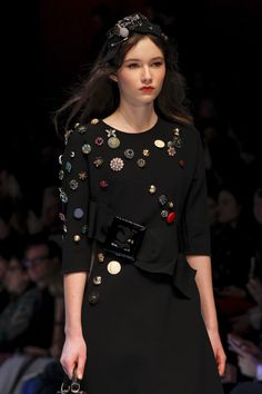 The 10 Top Accessory Trends of Fall 2016: Flair for Fashion - Dolce & Gabbana