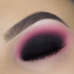 Makeuphall: The Internet`s best makeup, fashion and beauty pics are here. Makeup Inspo, Makeup Art, Makeup Tips, Face Makeup, Makeup Ideas, Red And Black Eye Makeup, Eye Tutorial, Smokey Eye, Fashion Pictures