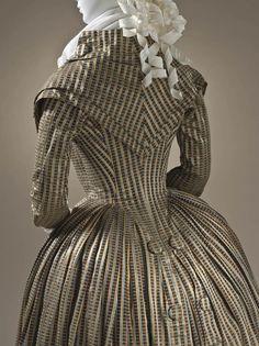 Robe redingote, vers 1790  Soie, coton   © 2010 Museum Associates/LACMA