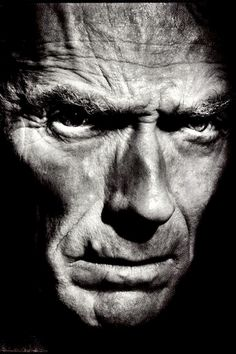 Clint Eastwood - Learn and teach you Famous Men, Famous Faces, Famous People, Low Key Portraits, Famous Portraits, Celebrity Photography, Celebrity Portraits, Clint Eastwood, Foto Portrait