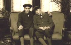 This might seem like an ordinary picture of twins in Victorian times...Perhaps the fellow on the right has fallen asleep mid-photo? Nope. I'm afraid not.