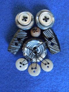 Brooch Owl made with buttons