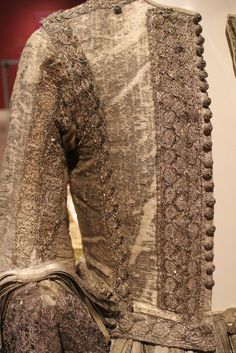 1665 silver tissue doublet and trunk hose, National Museum of Scotland - detail